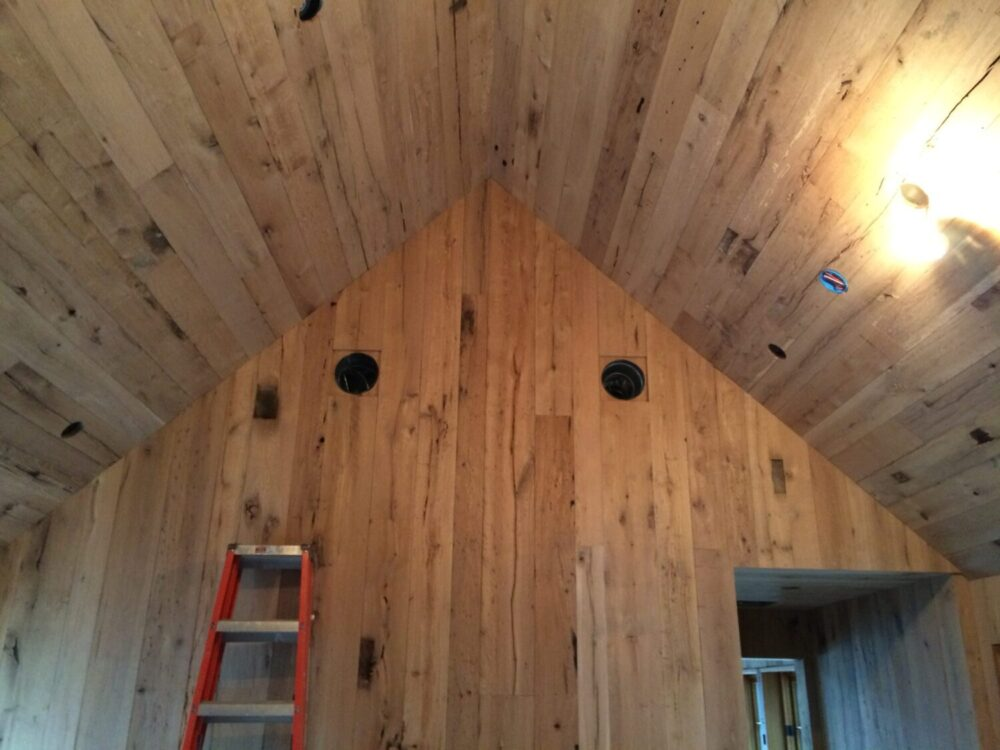 Reclaimed Barn Siding Amp Paneling Antique Beams Amp Boards